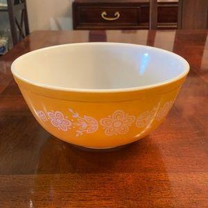 Pyrex Butterfly Gold Bowl 2.5L